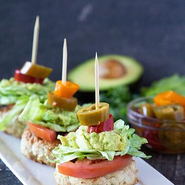 Avocado_Chicken_Sliders_crop-575x575