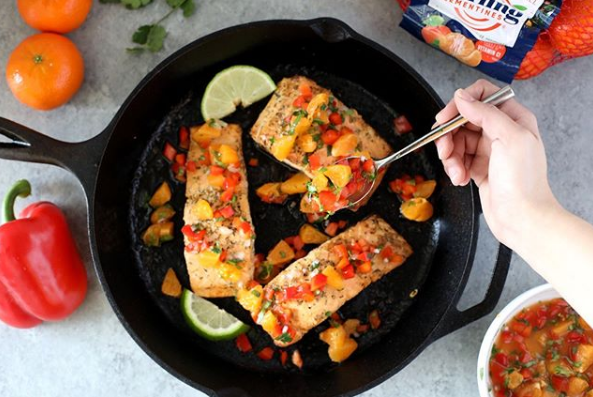Pan seared salmon with clementine salsa