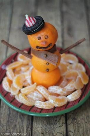 Snowman-Christmas-Fruit-Platter-677x1024